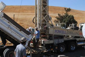 water well drilling crew